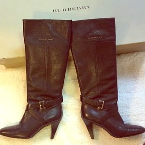 Authentic Burberry boots. Beautiful leather.